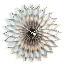 Vitra - Sunflower Clock  birch / black